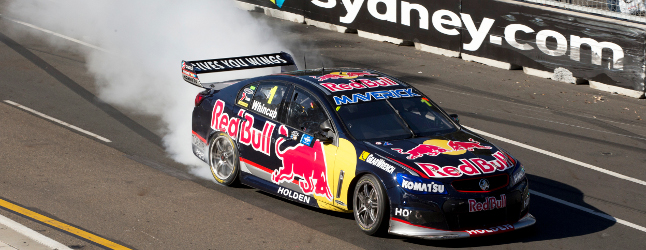 Red_Bull_Holden_VF_Commodore_Wincup