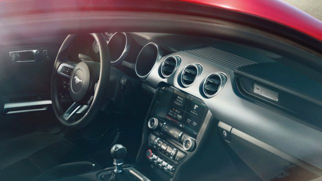 2015 Ford Mustang GT dash