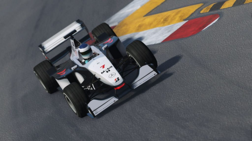 The 1998 McLaren MP4/13 is updated in the latest rFactor 2 Build 1117