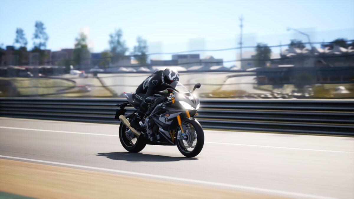 The 2020 Triumph Daytona 765 Moto2 in the RIDE 4 Ultimate 2020 Pack