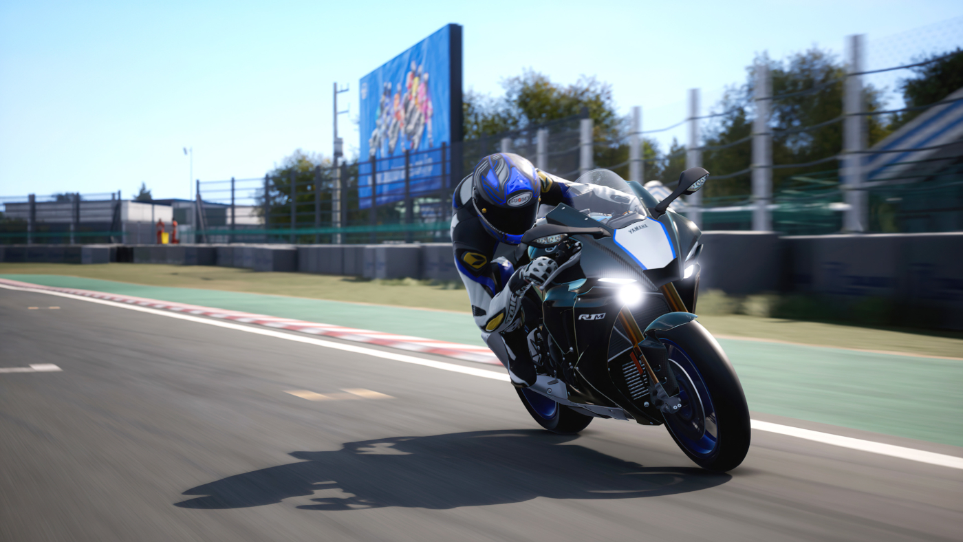 The 2020 Yamaha YZF-R1M is also in the new DLC