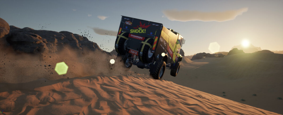 The first Dakar 21 images include a rally racing truck