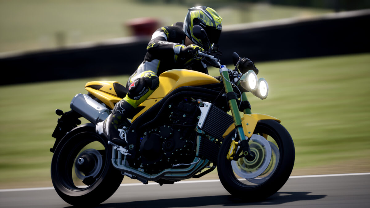 The 2005 Triumph Speed Triple comes to RIDE 4 in the Street Kings DLC Pack