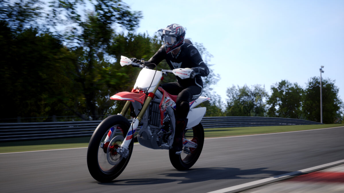 A 2016 Honda CRF 450X Supermoto Special appears in the RIDE 4 Street Kings DLC Pack