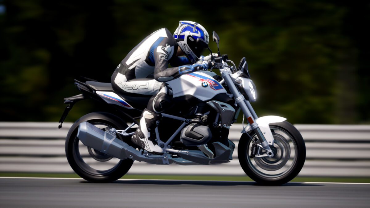 The 2019 BMW R 1250 R arrives in RIDE 4