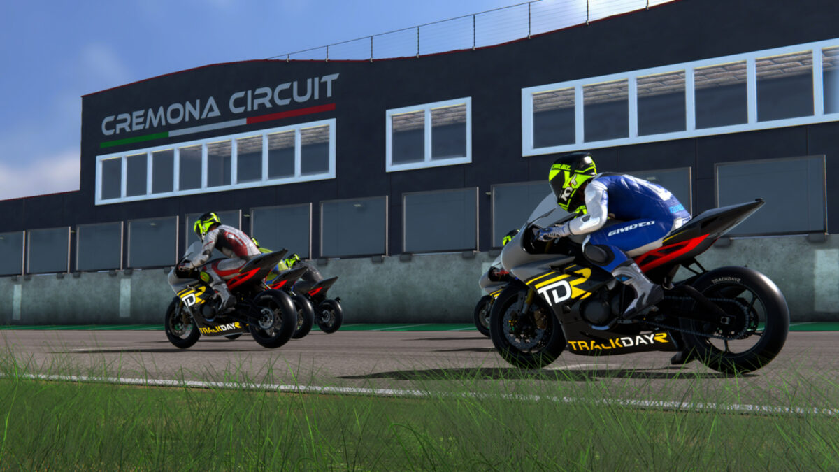 The new TrackDayR Build 1.0.84.45 adds AI opponents to the motorcycle sim
